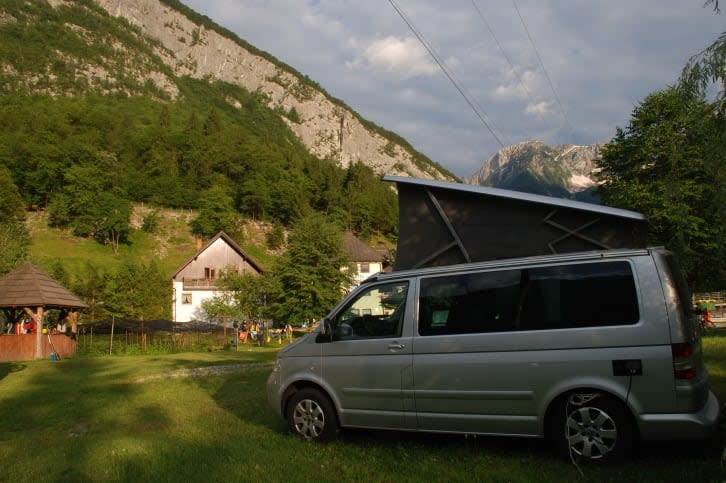 camper vw t5 california mieten in oberhaching. Black Bedroom Furniture Sets. Home Design Ideas