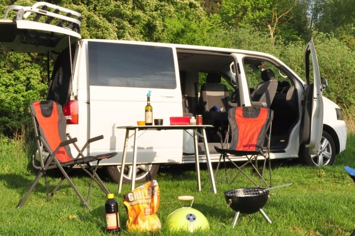 vw t5 camper in dresden g nstig privat mieten. Black Bedroom Furniture Sets. Home Design Ideas