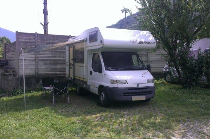 hymer wohnmobil bei aschaffenburg privat mieten. Black Bedroom Furniture Sets. Home Design Ideas