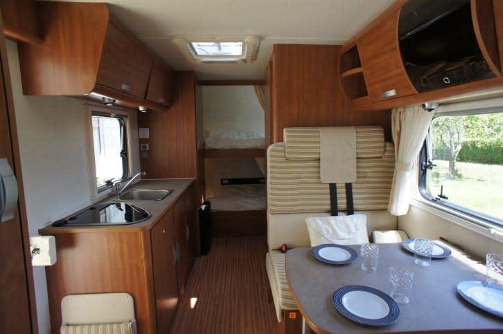 renault wohnmobil mieten von privat. Black Bedroom Furniture Sets. Home Design Ideas