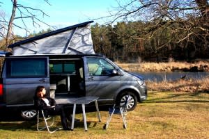 vw t5 camper in berlin mieten. Black Bedroom Furniture Sets. Home Design Ideas