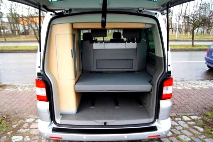 vw t5 camper in berlin mieten. Black Bedroom Furniture Sets. Home Design Ideas