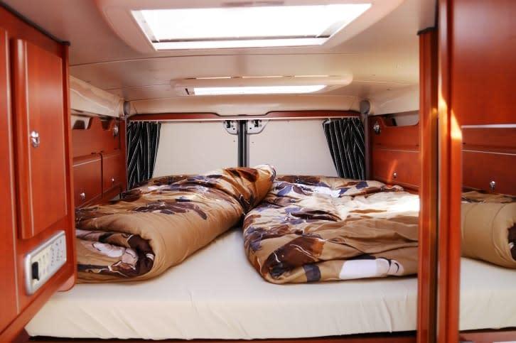 karmann wohnmobil bei d sseldorf mieten paulcamper. Black Bedroom Furniture Sets. Home Design Ideas